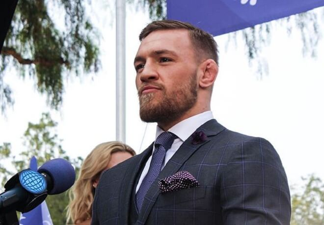 Conor Mcgregor Hairstyle With Low Beard