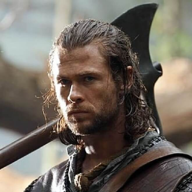 Chris Hemsworth Long Curly Hairstyle