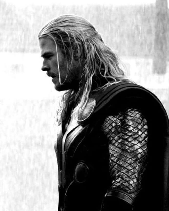 Chris Hemsworth Long Hairstyle With Braid