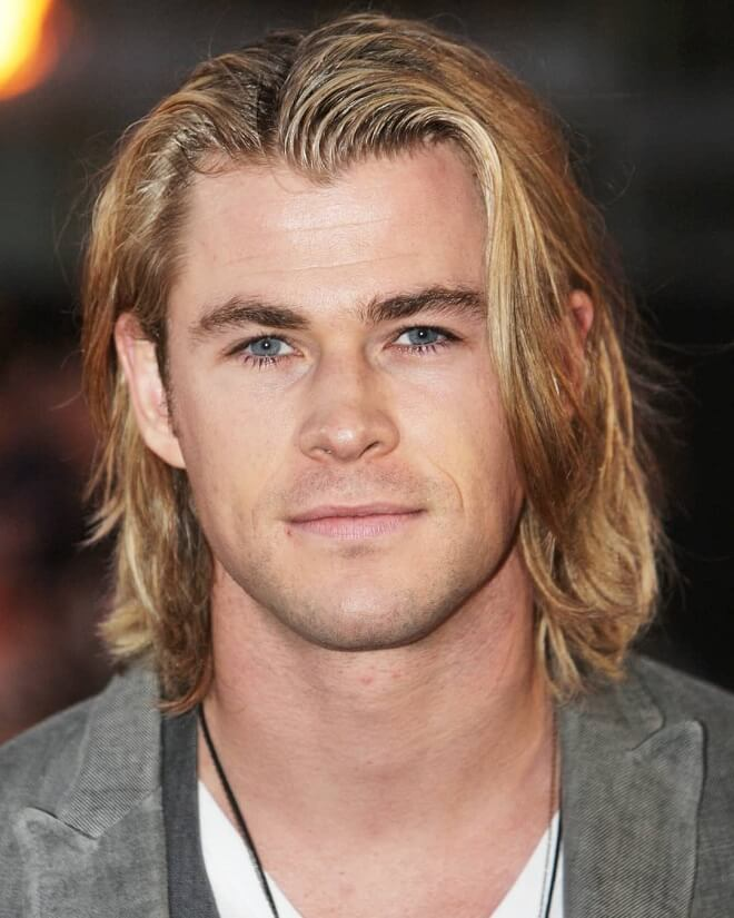 Chris Hemsworth Medium Lenght Blonde Hairstyle