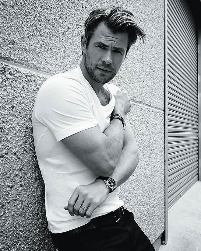 Chris Hemsworth Messy On Top Hairstyle