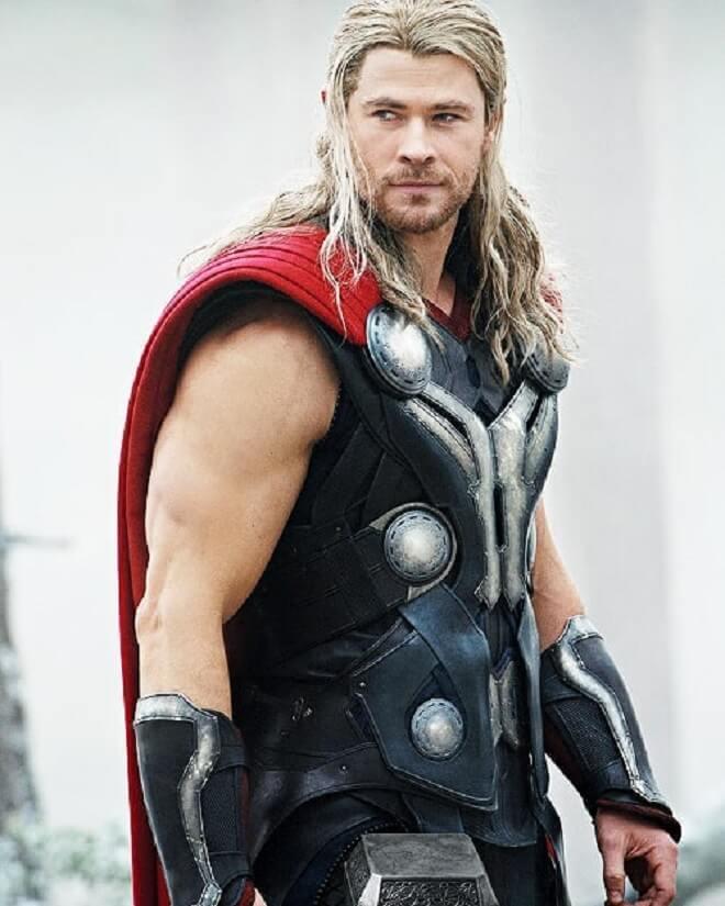 Chris Hemsworth Shoulder Length Hairstyle