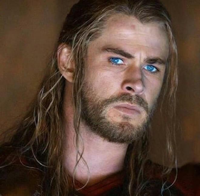 Chris Hemsworth Stylish Hairstyle