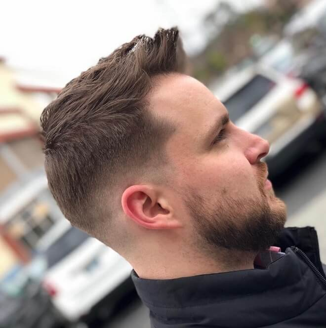 Low Skin Fade with Short Quiff