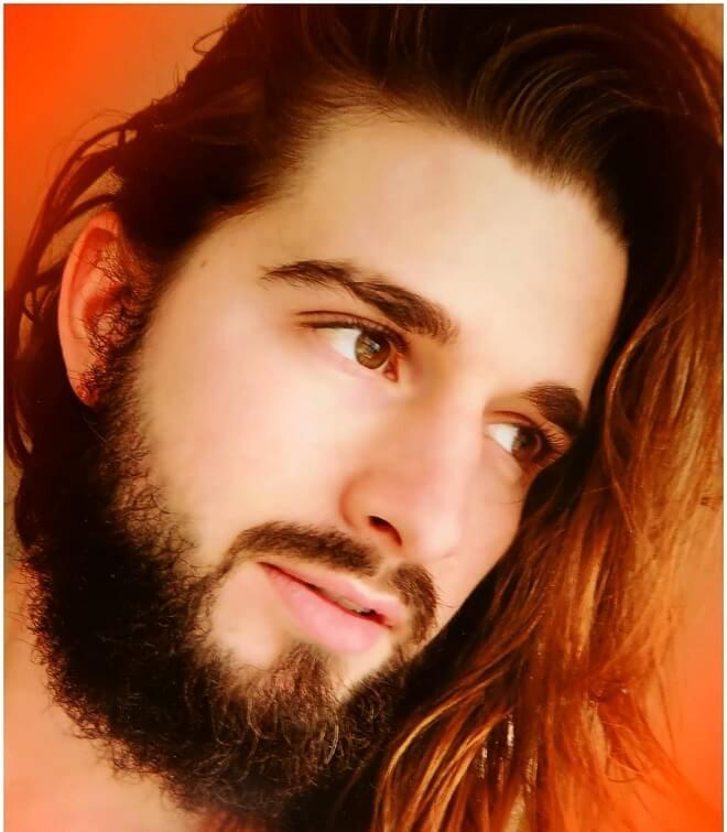 Thin Boxed Beard With Long Hair