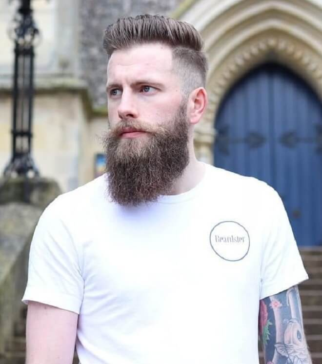Classic Haircut with Full Beard