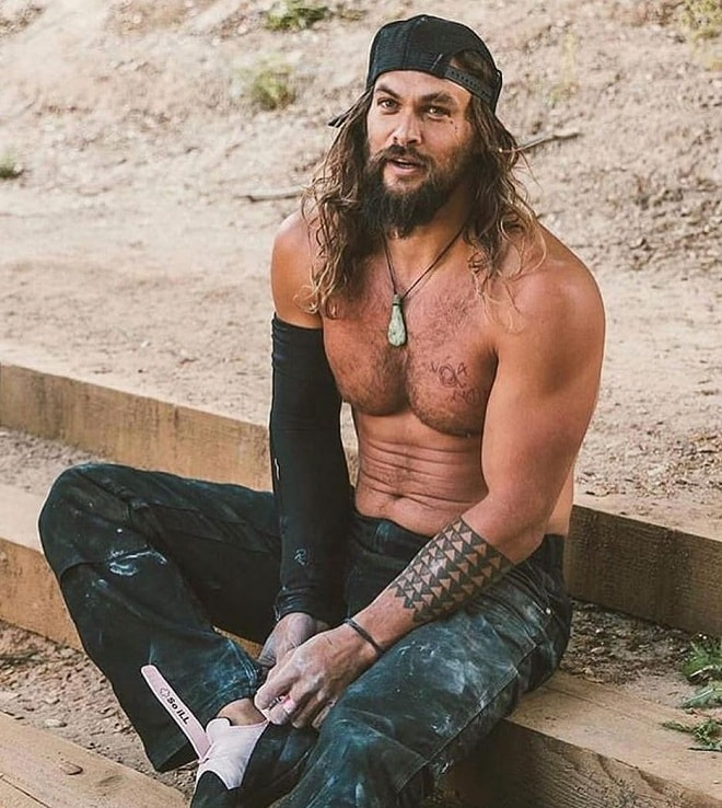 Jason Momoa Shoulder Length Hairstyle