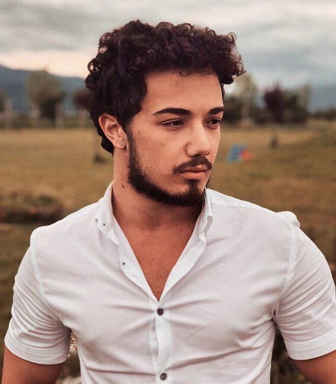 Regular Curly Look