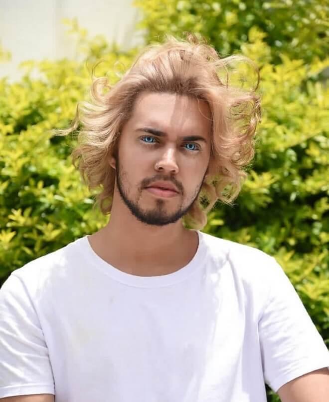 Unkempt Medium Hairstyle